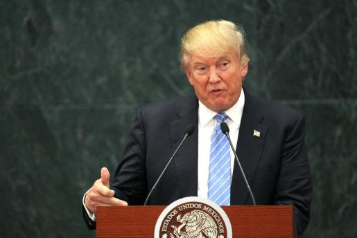 El presidente de Estados Unidos, Donald Trump, durante su visita a México como candidato presidencial Republicano, en la casa presidencia de Los Pinos.