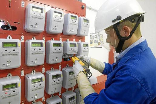 Este mes de enero se ha caracterizado por las bajas temperaturas, lo que ha propiciado un mayor consumo eléctrico en los hogares de las Islas y, al mismo tiempo, un alza del precio normal de la electricidad respecto a enero de 2016.