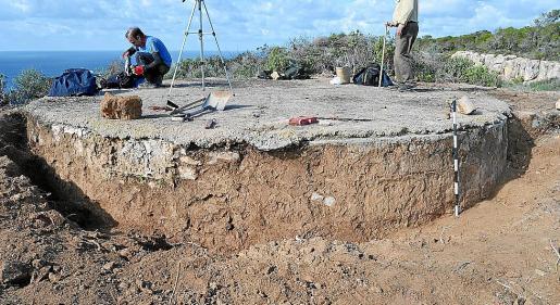 Imagen del descubrimiento de la torre de defensa de Rafeubetx.