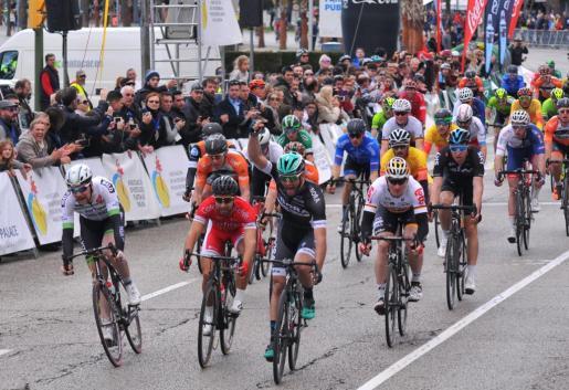 Daniel McLay, a su llegada a la meta de la última prueba de la Challenge Ciclista Mallorca.