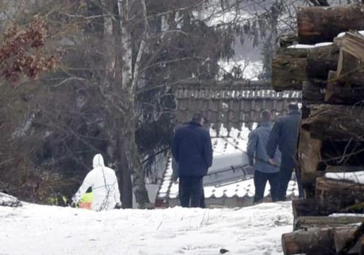 Hallan los cadáveres de seis adolescentes en Arnstein, Alemania.