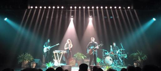 Donallop en el escenario del Auditòrium de Palma presentando su nuevo disco, 'Misteris de sa vida'.