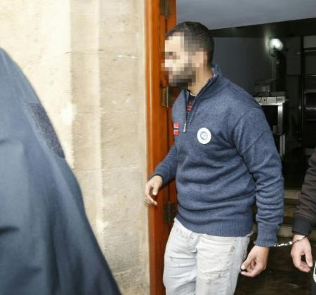 El detenido, este lunes en los juzgados de Palma.