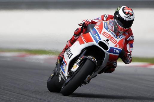 El piloto mallorquín de MotoGP participa en los ensayos oficiales de pretemporada en el circuito de Sepang en Kuala Lumpur (Malasia).