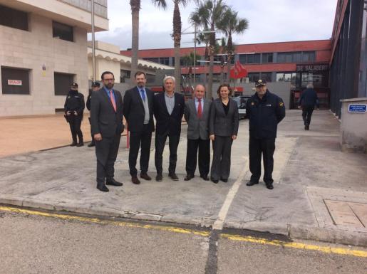 El presidente de la Asociación, Francisco Martorell, ha trasladado a la delegada de Gobierno en Baleares, María Salom, quien ha visitado este lunes el polígono, su «satisfacción» por ver como «año tras año aumenta el índice de seguridad».