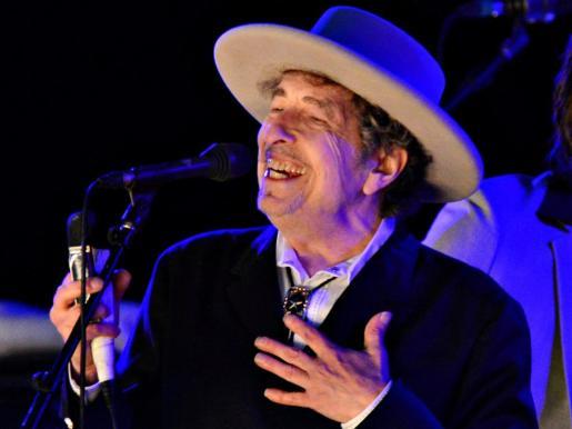 Actuación de Bob Dylan en el Hop Festival en Paddock Wood, Kent.