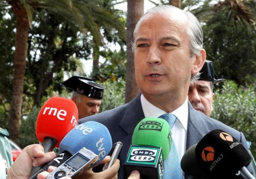 Arsenio Fernández de Mesa, en una imagen de archivo correspondiente a su etapa como director general de la Guardia Civil.