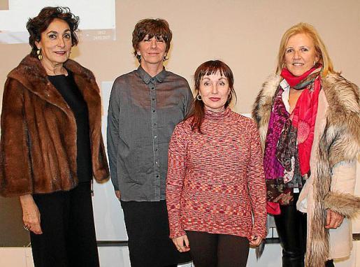 Neus Cortés, Ana Gallardo, Nekane Aramburu y Lourdes Amer.