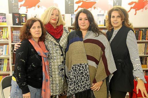 Nora Lapido, Paula Rosselló, Olalla Pons y Jane Kelder.