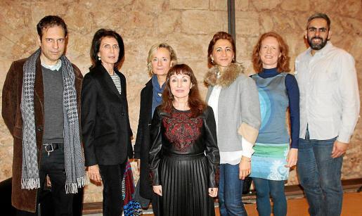Pedro Vidal, Carmen Planas, Marta Vall- Llossera, Nekane Aramburu, Marga Pérez-Villegas, Natasha Hall y Francisco Copado.