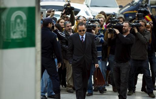 El ex alcalde de Marbella Julián Muñoz, a su llegada a la Audiencia Provincial de Málaga.