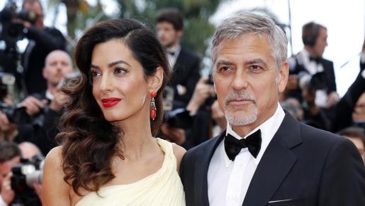 En la imagen, el actor George Clooney junto a su esposa, Amal Alamuddin.