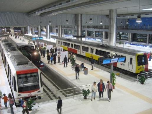 El Consejo de Administración del Consorcio de Transportes de Mallorca ha acordado la eliminación del criterio de ser residente para obtener la tarjeta del TIB.