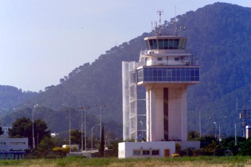Imagen de archivo de la torre de control de Eivissa.