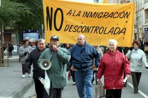 Protesta vecinal contra la inmigración ilegal.