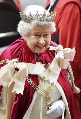 La reina Isabel II accedió al trono el 6 de febrero de 1952 tras la muerte de su padre, el rey Jorge VI.