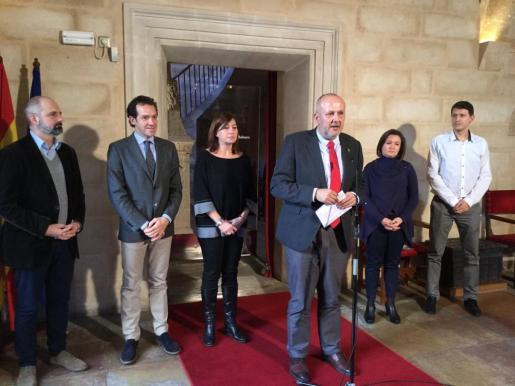 El presidente del Consell de Mallorca, Miquel Ensenyat, y la jefa del ejecutivo autonómico, Francina Armengol, han presentando este lunes la gratuidad del túnel de Sóller.