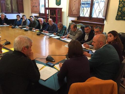Momento de la reunión de la mesa de alcaldes y alcadesas de la Serra de Tramuntana.