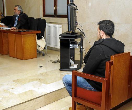 El acusado, durante el juicio en la Audiencia Provincial de Palma.