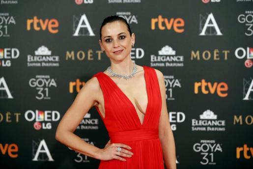 La actriz Leonor Watling, espectacular, a su llegada a los Premios Goya.