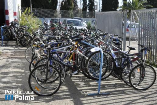 En la imagen, las 218 bicicletas que la Policía Local de Palma ha entregado a personas necesitadas.