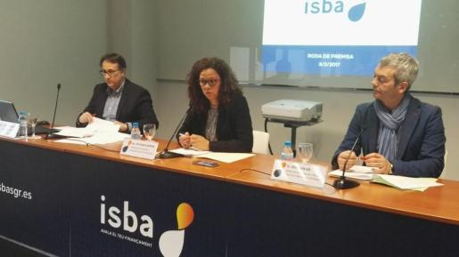 En la imagen, el director-gerente de ISBA, Jesús Fernández, junto a la consellera de Hisenda i Administracions Públiques, Catalina Cladera.