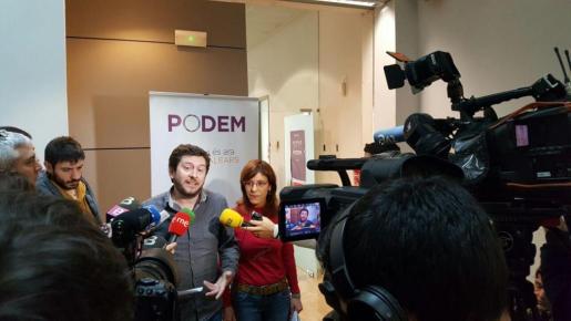 Alberto Jarabo y Laura Camargo han anunciado esta mañana el acuerdo para que Picornell presida el Parlament.