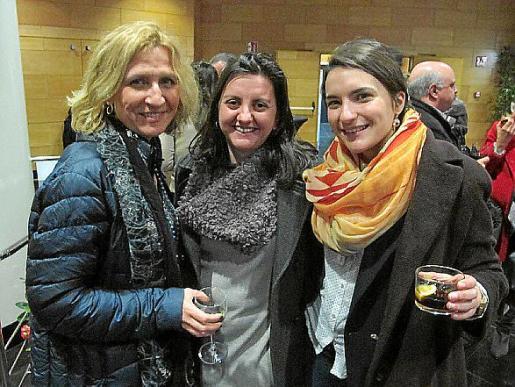 Coral Mínguez Artigues, Maria Coloma Almiñana y María Lourdes Barros.