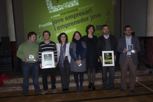 José Miguel Palou, Fernando Chiarribriz, Fina Santiago, Irene Llull, Bel Oliver, Jaume Mateu y Jorge Serrano.
