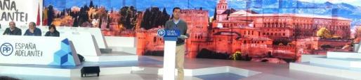 Para él, una mayoría de afiliados permitió que eso siga siendo posible y, por tanto, el presidente del PP, Mariano Rajoy, tiene «manos libres» para hacer el equipo que considere más oportuno.