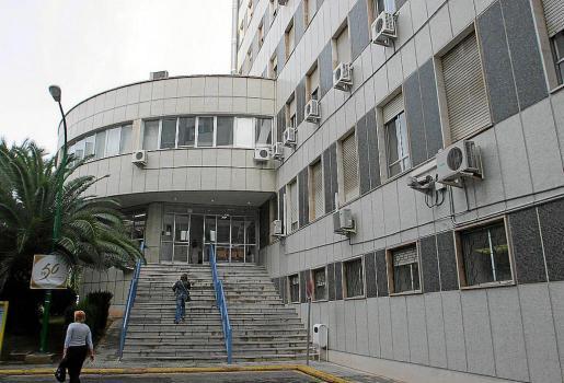 Vista general del complejo hospitalario de Son Dureta en el año 2005. Ahora está cerrado a cal y canto.