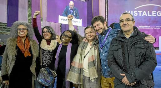 Margalida Quetglas y, por la derecha, De la Concha, Jarabo e Yllanes junto con otros compañeros.