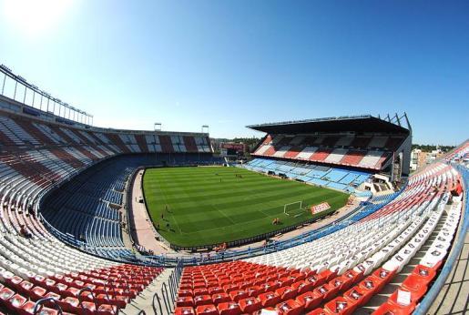 Vista general del estadio Vicente Calderón, que albergará la final de la Copa del Rey el próximo 27 de mayo entre el FC Barcelona y el Deportiva Alavés.