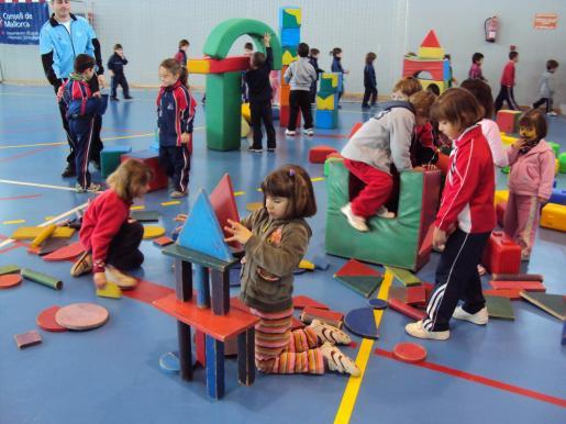 Cerca de 300 niños participan en los nuevos Jocs Multiesportius.