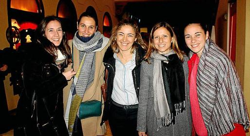 Carmen Domínguez, Helene Colinet, Rocío Baquero, Patricia Peñas y Marina Yern.