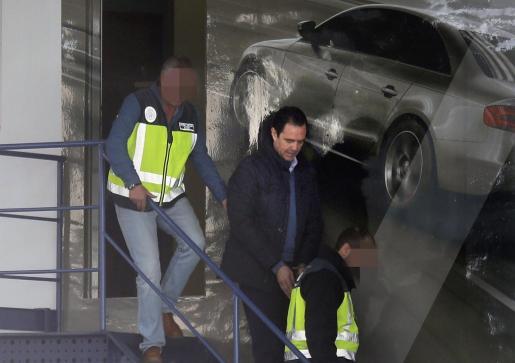 En la imagen, el yerno de la viuda del expresidente de la Caja del Mediterráneo (CAM), Vicente Sala, detenido como presunto autor del crimen.
