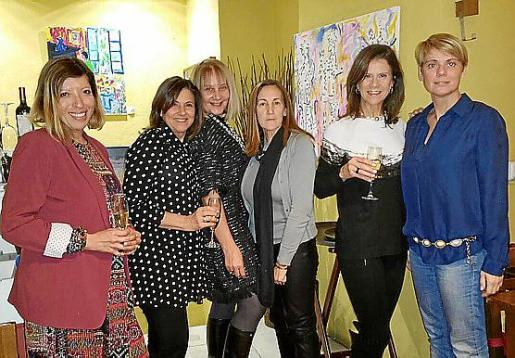 Gema Muñoz, Charo Sanz, Águeda Ropero, Gela García de los Reyes, Tina Nadal y Aina Aguiló.