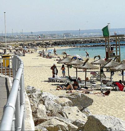 El atraco se produjo a la altura de la playa de Can Pere Antoni.