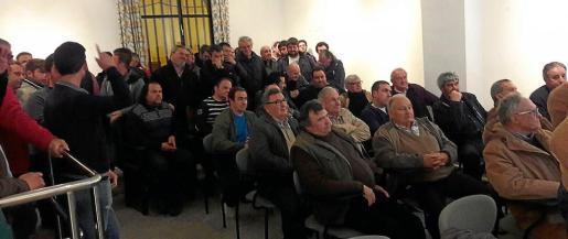 Con este acto organizado por MÉS per Vilafranca, los asistentes pudieron aclarar sus dudas sobre la declaración de Zepa.