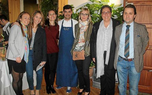 Joana Amengual, Andrea Bagur, Margalida Vicens, Andreu Genestra, Belén Castel, Marita Espejo y José Luis Gómez.