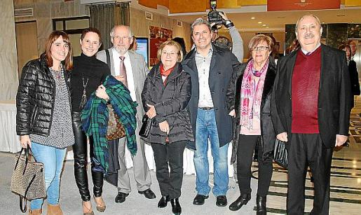 Cati Coll, Marga Gil, Joan Gil, Catalina Muntaner, Dani Marimón, Esperança Ribas y Francisco Marimón.