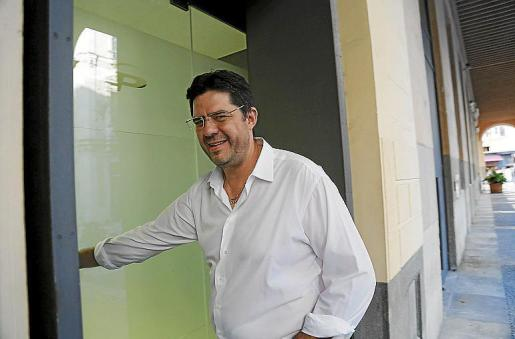 Jaume Bauça entrando en la sede del PP balear.
