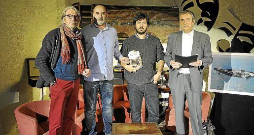 Jochen Brill, hijo mayor de Peter Brill; Pep Cardona, coautor de 'El diario de Peter Brill'; Laureano Clavero, realizador del documental; y Raphel Pherrer.