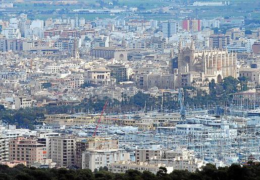 Cada vez más extranjeros compran o alquilan viviendas en Palma.