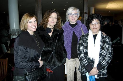 Apolonia Bauza, Catalina Torrens, Joana María Coll y Antonia Rotger.