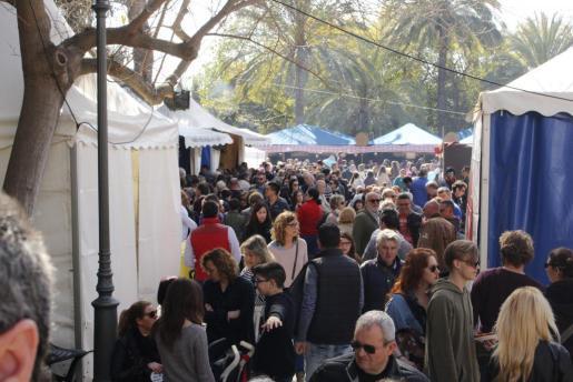 Miles de personas han disfrutado de las actividades programadas por el Dia de les Illes Balears.