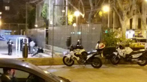 Agentes del GAP , durante el operativo policial practicado el pasado martes.