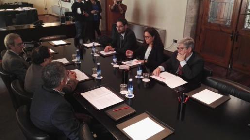 Catalina Cladera propone más autonomía fiscal y la corresponsabilidad de gestión con Madrid para mejorar el financiamiento.