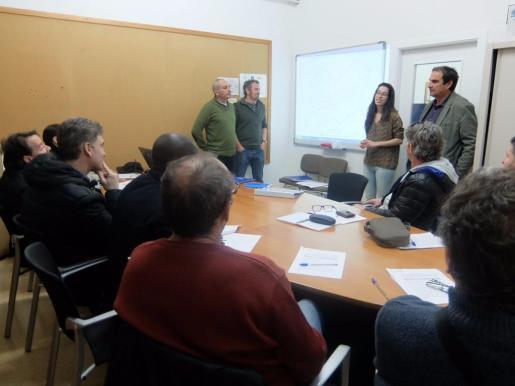 Diez personas mayores de 30 años i desocupadas, trabajarán 10 meses en el proyecto 'Sa Tanca de Son Amer'.