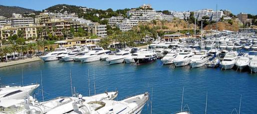 Puerto Portals es conocido por su exclusividad y renombre internacional.